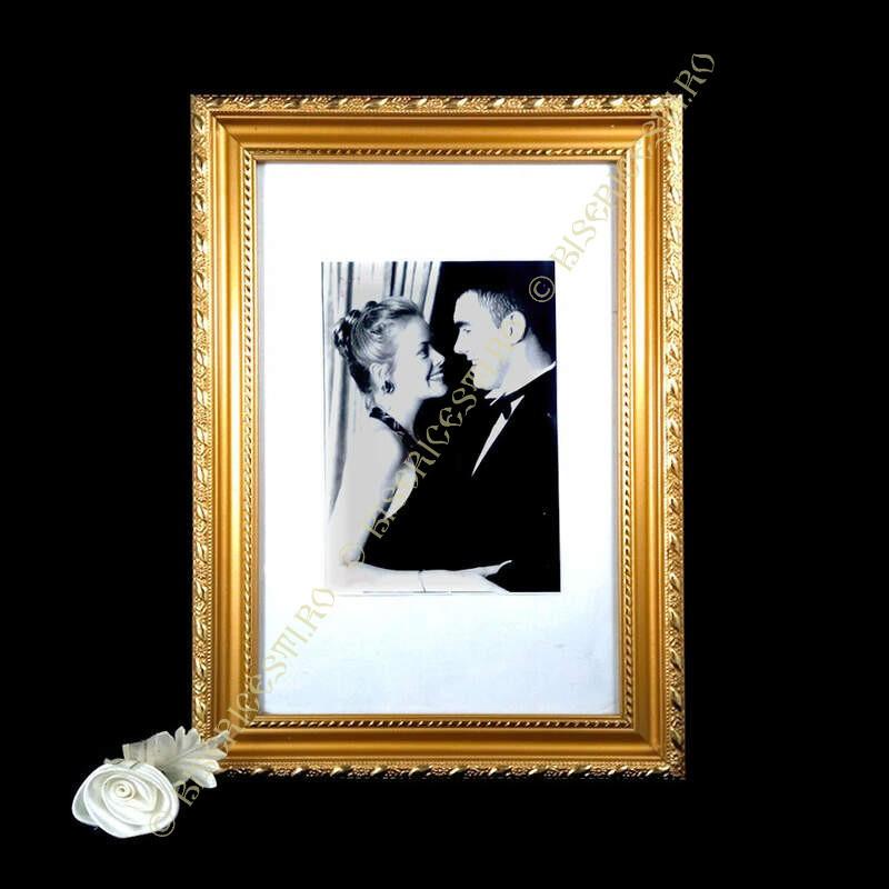 Obiecte bisericesti   Rama foto din plastic auriu   3520